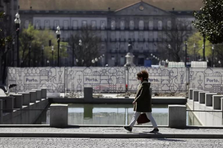 Read more about the article COVID-19 em Portugal: Mais 1 óbito e 377 infetados. R(t) e incidência continuam a descer