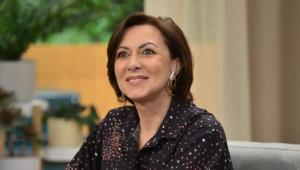 Read more about the article Maria João Abreu hospitalizada depois de sofrer aneurisma durante gravações de novela. Prognóstico é reservado