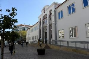 Read more about the article Em atualização Autarca de Torres Vedras encontrado morto em casa