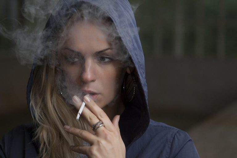 woman, smoking, cigarette-918616.jpg