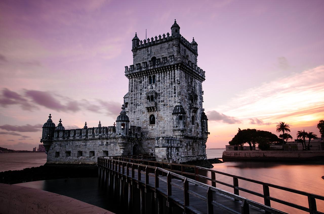 castle, bridge, sunset-839817.jpg