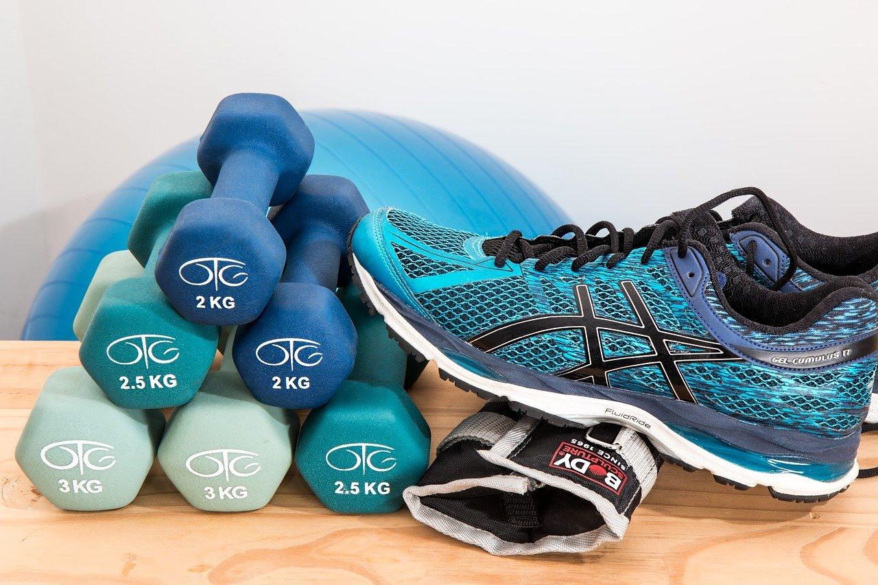 dumbbells, shoes, sneakers-2465478.jpg