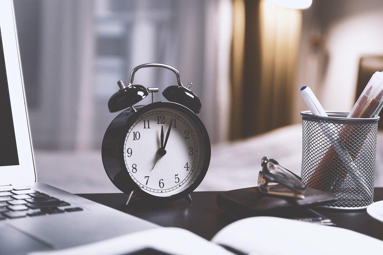 time, alarm clock, clock-2980690.jpg